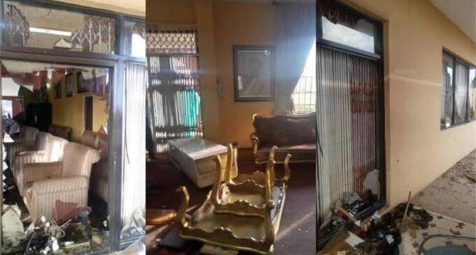 Akiolu: Wetin e mean for di Oba of Lagos to lose di staff of di king